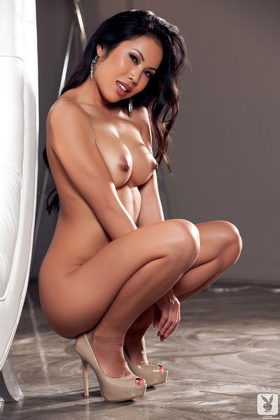 Astounding brunette asian amazes with her naughty skills in hot solo