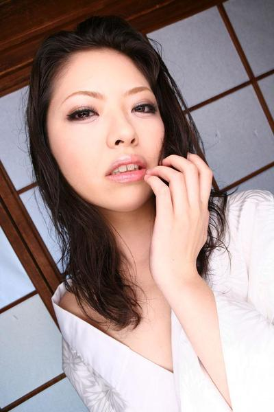 Slutty Asian Hana gives oral sex to two guys and gets generous cum shots