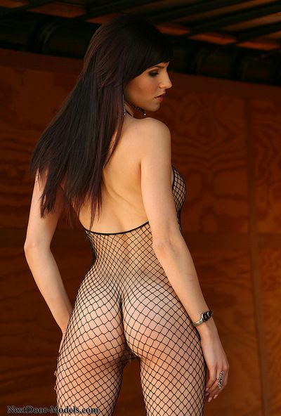 Dark brown in sexy fishnet suit amazes with her exceptional and fleshly solo show