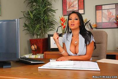 Horny largest titted brunette Gianna Lynn prefers hardcore sex with boring office turn over