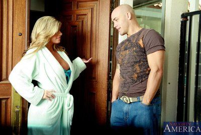 The bosomy milf Kristal Summers is flexible before the male getting his tongue and jock in nub