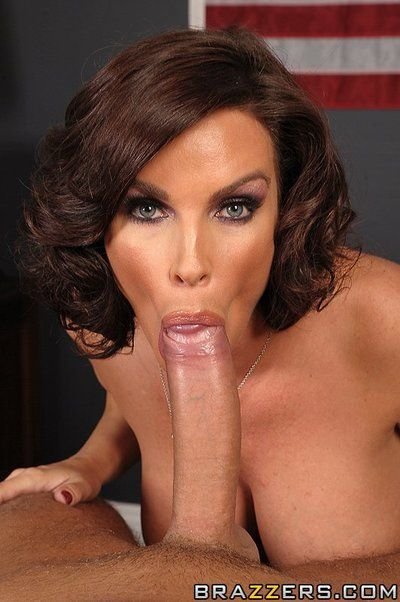 Hot milf Diamond Foxxx with gigantic breasts and bald experienced snatch takes gigantic prick