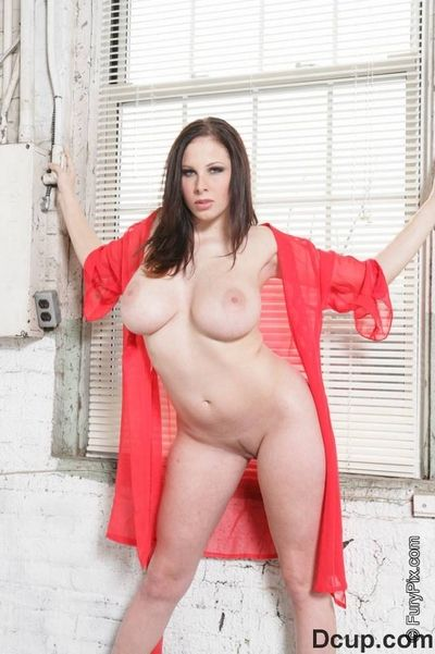 Pale skinned juicy brunette Gianna Michaels in red underclothes shows off her rough naturals