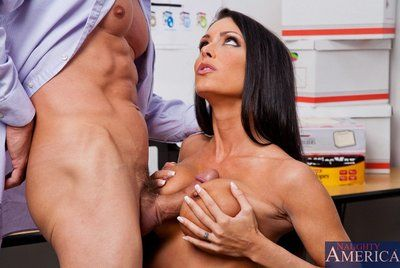 The vast titted doll Jessica Jaymes invites guy to heaven when sucking and astonishingly his wattle