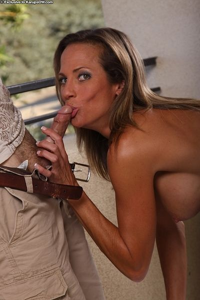 No one can seem so inspiring as the stripped milf named Montana Skye