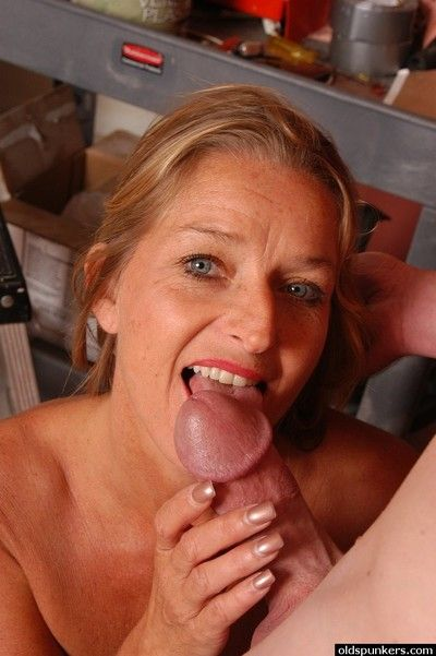 Aged blonde lady Vickie licking heavy dick with tongue while giving head