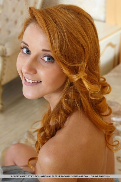 Redhead glamour angel Roberta Berti spreading smooth head teen vagina
