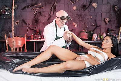 Titsy dark hair Audrey Bitoni purchases nailed by a eager scientist\