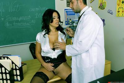 Curvacious brunette milf Sienna West has sex with ache chemistry teacher