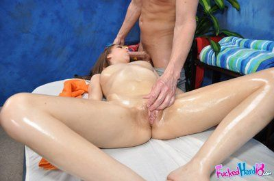 Zarena Summers gets her pussy massaged and owned after that babe removes her blue jeans and pink panties
