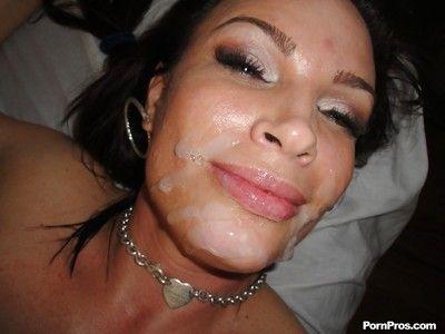 sombre brun milf Diamant foxxx deepthroating Son masseur pour sperme visage