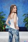 Zarena Los veranos Consigue su Coño masajes y propiedad después de Que nena quita su AZUL jeans y rosa bragas