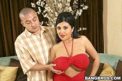 Секс с огромный грудью латина Мамаша Jaylene Рио Делает чувак Полностью счастлив