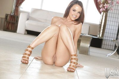 Sensual pornstar babe Dillion Harper shows her magnificent pussy juice