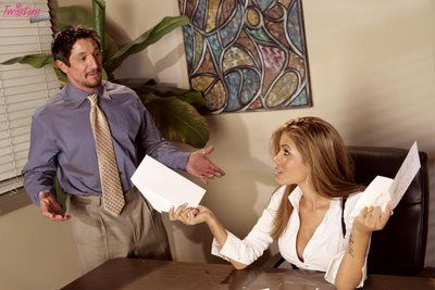 Super sexy office slut Isis Taylor gets her pussy poked right on a desk