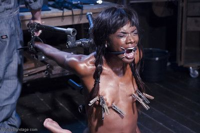 Ebony หนังโป๊