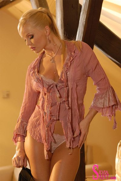 Lingerie doll Silvia Saint is self satisfying and producing the creamy cum