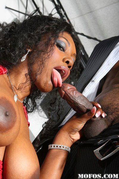 Busty ebony doll Nyomi Banxxx entices hot saxophone player into hardcore fuck