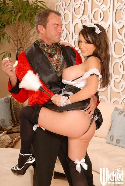 Sexy service maid Jenna Presley is getting heavily fucked in mouth and nub my the master