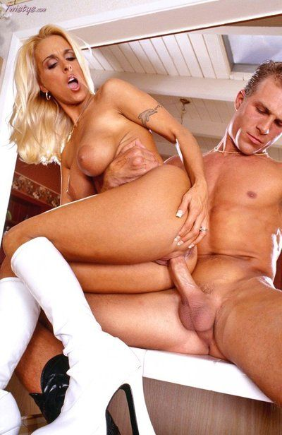 holly halston big titten hard porno bilder