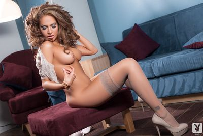 Reby Sky looks staggering by posing her nude forms in such lovely solo