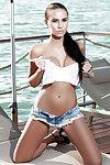 Güzel Bebeğim Vivien teşhir onu Orta sayfa Model Göğüsler