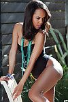 Impressive beauty Amina Malakona looks astounding when posing nude on cam