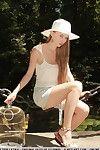 şehvetli euro teen Milena D Seviyor gösterilen kapalı onu sıkı sıska vücut