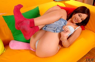 Teen Nikita enjoys posing her cum-hole and ass during impressive solo session