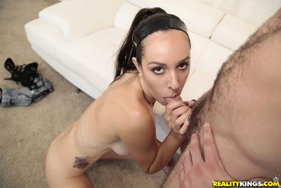 Amateur brown hair slut Amber Taylor giving head on knees and engulfing sex cream