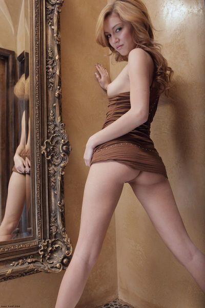 크 부드러운 피부 청소년 Babe 킴벌리 Kato 을 얻 맞췄 에 프런트 의 이 거울