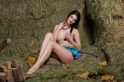 The pervy brunette infant Katya AC lets the camera approach closer and record her nude slits