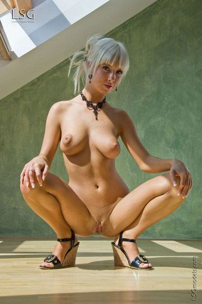 White haired biggest tit golden-haired Natali Blond opens her shaved gentile not including shame