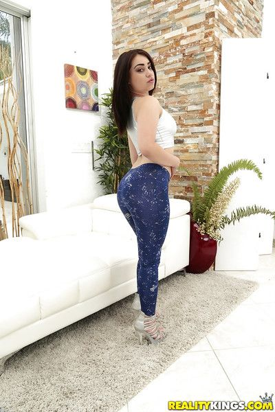 Youthful Lalin girl female Demi Lowe letting big booty set free from yoga underclothes and strap
