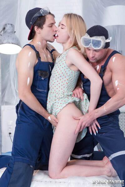 Blond slut Via Lasciva seduces the workmen for a damp jizz filled Male+Male+Female