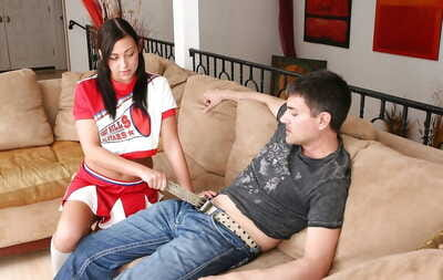 Lewd cheerleader Ivy Winters benefits from her smooth head cunt pumped tough