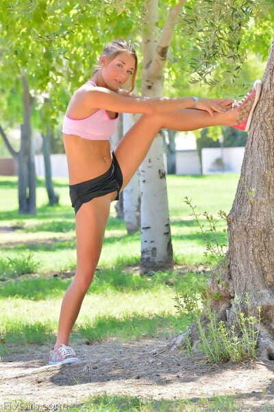 Fitness angel removes shorts to exercise pantiless and show pussy gape outdoors
