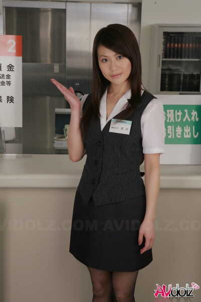 Japanese sales clerk Hina Aizawa rips available her pantyhose at work