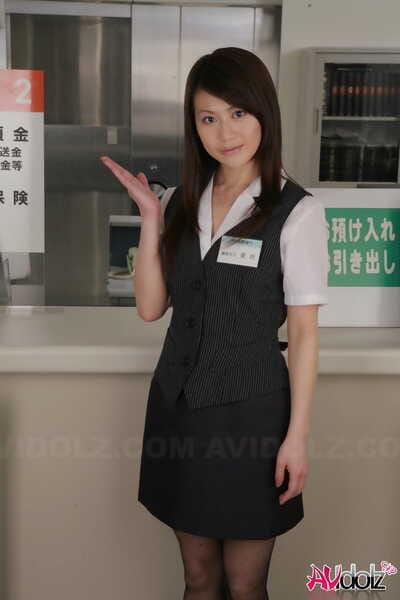 японский Год Делопроизводитель Хина Айзава рипы доступен ее колготки в работа