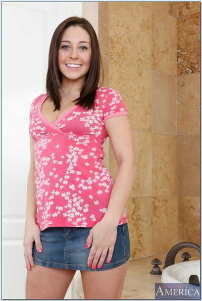Pleasant teen Gracie Glam erotic dance and posing solo in the bathroom