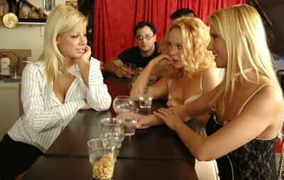 Triple infant blonde lesbian babes toying & licking pussy & teasing nude