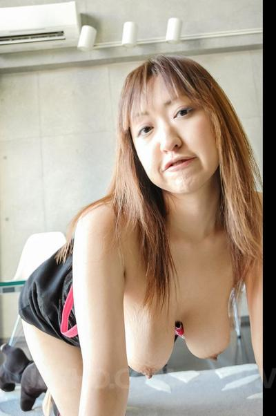 Stud with the livecam is playing with the breathtaking Japanese marangos of Mayumi Javhd