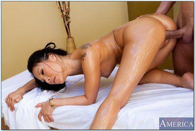 Enjoyable Chinese lady Asa Akira gains pounded hardcore by a raunchy masseur