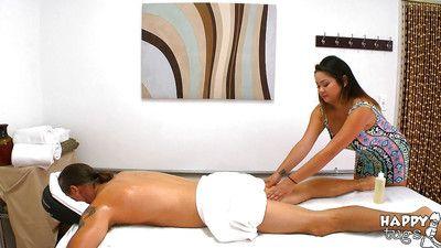 Strapping Oriental masseuse Gigi Skye giving pleasuring ultimate tugjob