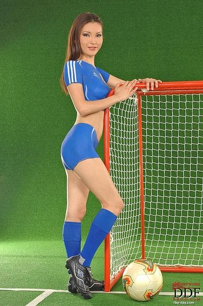 Japanese body art pattern Annie Ling pretends that this chick wears blue skin constricted soccer uniform