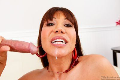 Boobsy Eastern milf Ava Devine attains stick in gentile and loads of goo let off admires jaw