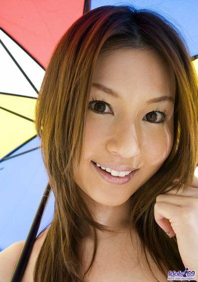 الأحداث الأخضر و بسلاسة لطيف المثير تاتسومي Yui هو والمثير تعريتها و حامية مما في الهواء الطلق كشفت