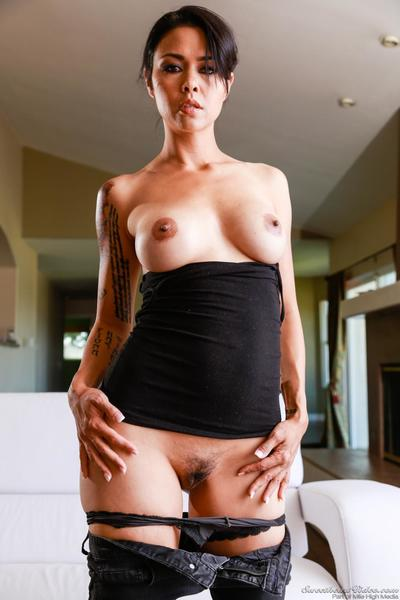 Major titted milf Dana Vespoli is pantieless rubbing the palatable seeping out damp cum-hole