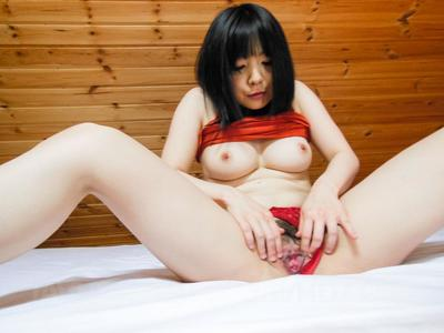 Chinese model Airi Minami falls panty aside and weenies the fingers deeply loves hirsute gentile