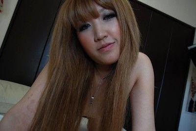 Verführerisch Chinesisch BABY queen Hikari Asakawa ausziehen auf die sofa